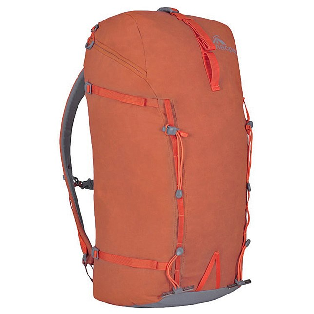 Macpac Pursuit 40 Pack